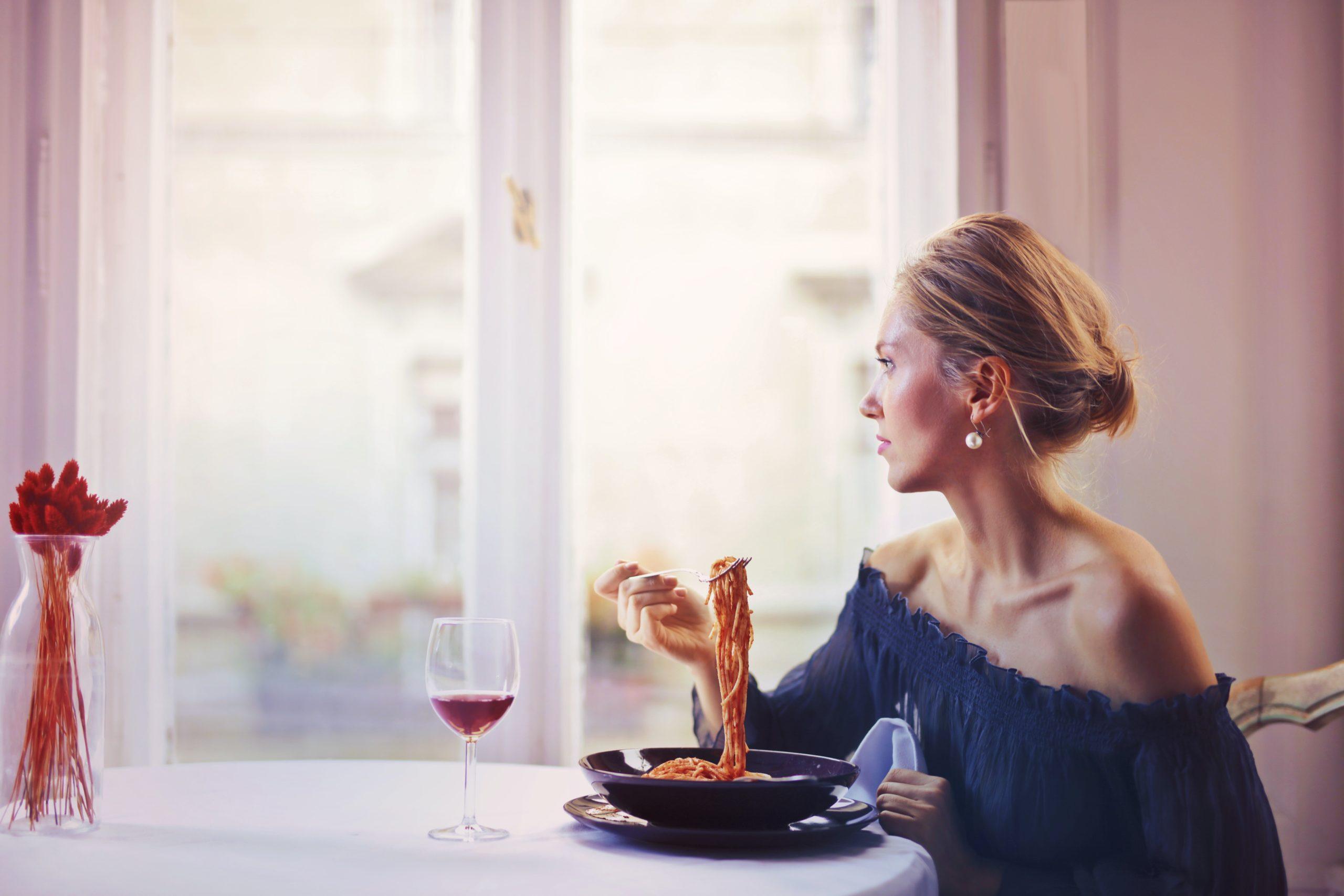 Manger seul